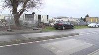 File:Automobilisten rijden schade op Ambachtsweg Nijmegen.webm