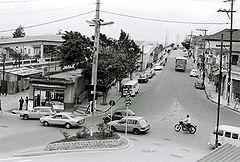Cruzamento da Avenida Brasil e Rua 26 de Mar�o, na atual Pra�a Elias Yousseff Tannous - d�cada de 70