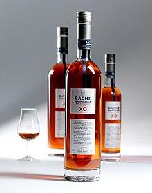 Alcune bottiglie di cognac dell'azienda più nota in Norvegia.