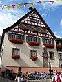 Bahlingen am Kaiserstuhl, Rathaus beim Hoselipsfest.jpg