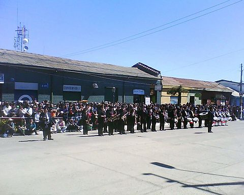 The Instrumental Band of Pichilemu (Banda Instrumental de Pichilemu) performing during the parade. Image: Diego Grez.