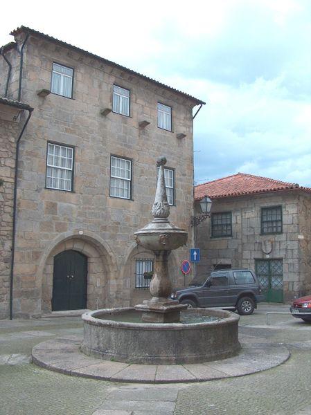 Image:Barcelos Lugar de Apoio1367.JPG