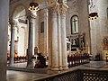 Basilica di San Nicola, interno.jpg