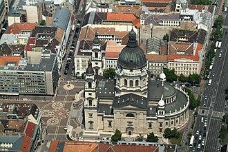 St. Stephen's Basilica - Image: Bazilika légifotó02