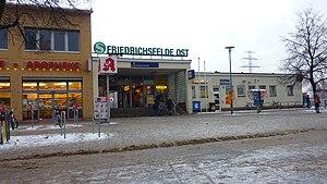 Berlin-Friedrichsfelde Ost station - Image: Bhf Friedrichsfelde Ost