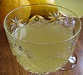 Bicchiere di limoncello (cropped).jpg