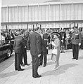 Bij aankomst bij de RAI in Amsterdam worden prinses Margaret en haar man begroet, Bestanddeelnr 917-7723.jpg