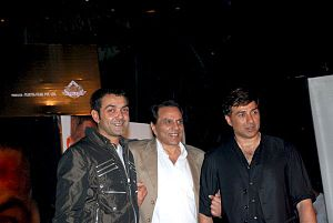 Dharmendra - Dharmendra with his sons Bobby Deol and Sunny Deol