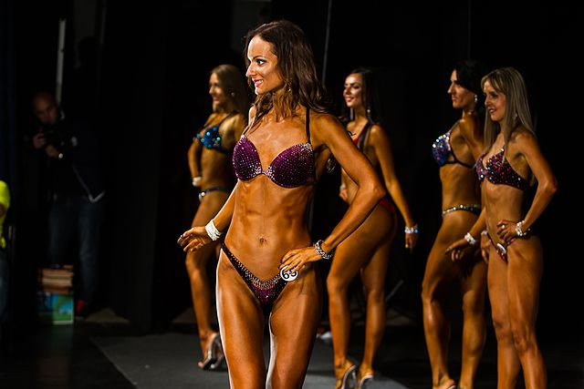 Bodybuilding and fitness bikini open tournament in Kaliningrad (2016-10-16) 35.jpg