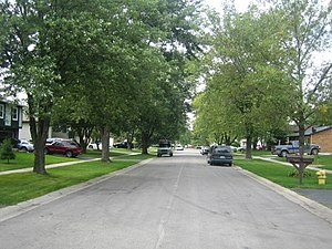 Bolingbrook, Illinois - A typical neighborhood street in Bolingbrook