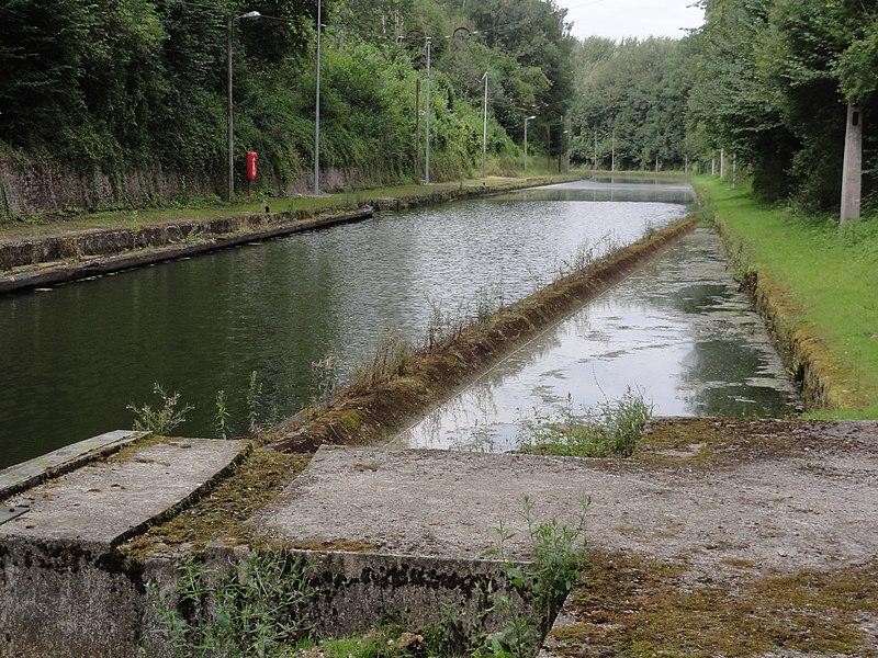 Bony (Aisne), hameaau de Macquincourt, Canal de Saint-Quentin à la sortie du tunnel de Riqueval, coté le Catelet