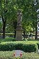 Brilon, Alter Friedhof-Standbild des guten Hirten-2018-06-28.jpg