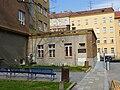 Brno, FF MU - domeček.JPG