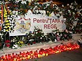 Bucuresti, Romania. Candele si flori pentru Regele Mihai I. Ultimul nostru Rege. 14 Decembrie 2017. (2).jpg