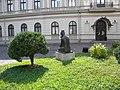Bucuresti, Romania. MUZEUL COLECTIILOR DE ARTA. PALATUL ROMANIT. (exterior) (5) (B-II-m-B-19862).jpg