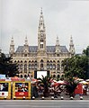Building of the New Rathaus.jpg