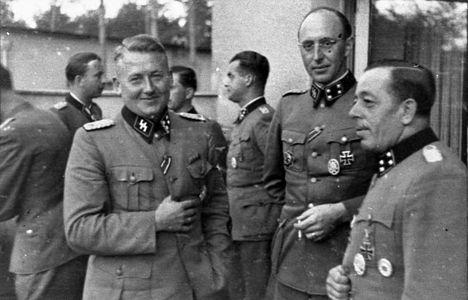 Bundesarchiv Bild 101III-Bueschel-056-20, Russland, Führer der Waffen-SS.jpg