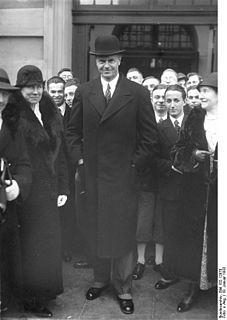 Heinrich Sahm German politician