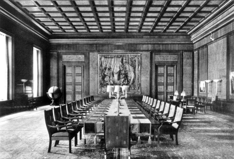The New Reich Chancellery's Reich government chamber (parliament) in 1939.