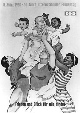 Bundesarchiv Bild 183-71299-0001, Berlin, internationaler Frauentag, Plakat