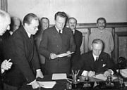 Bundesarchiv Bild 183-S52480, Dtsch.-Sowjet. Grenz- u. Freundschaftsvertrag