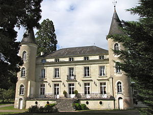 CHATEAU LES VALLEES.jpg