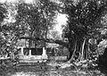 COLLECTIE TROPENMUSEUM Heilig graf bij Pasoeroean (Kedoenglo) Oost-Java TMnr 60020251.jpg