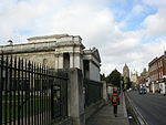 Fence along street frontage of the main block of the Fitzwilliam Museum