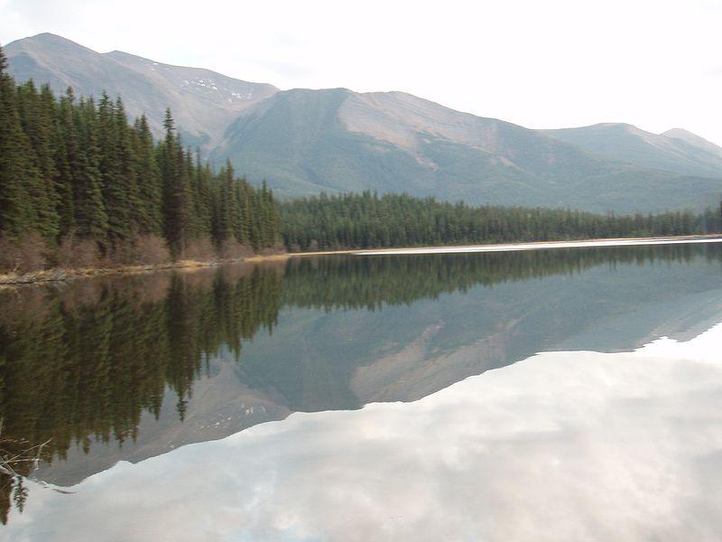 File:Canada lake.jpg