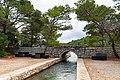 Canal between the lakes Veliko Jezero and Malo Jezero on Mljet, Croatia (48739050212).jpg