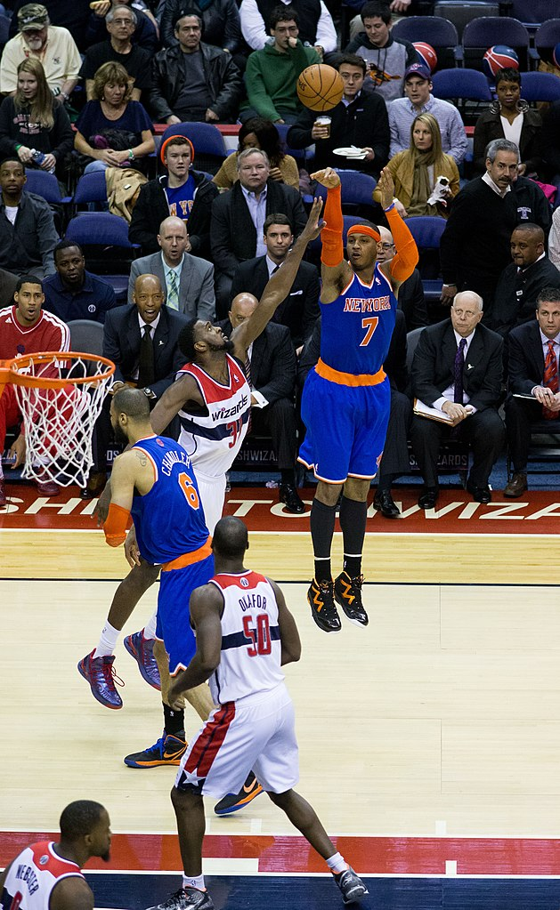 File:Carmelo Anthony shooting.jpg - Wikimedia Commons