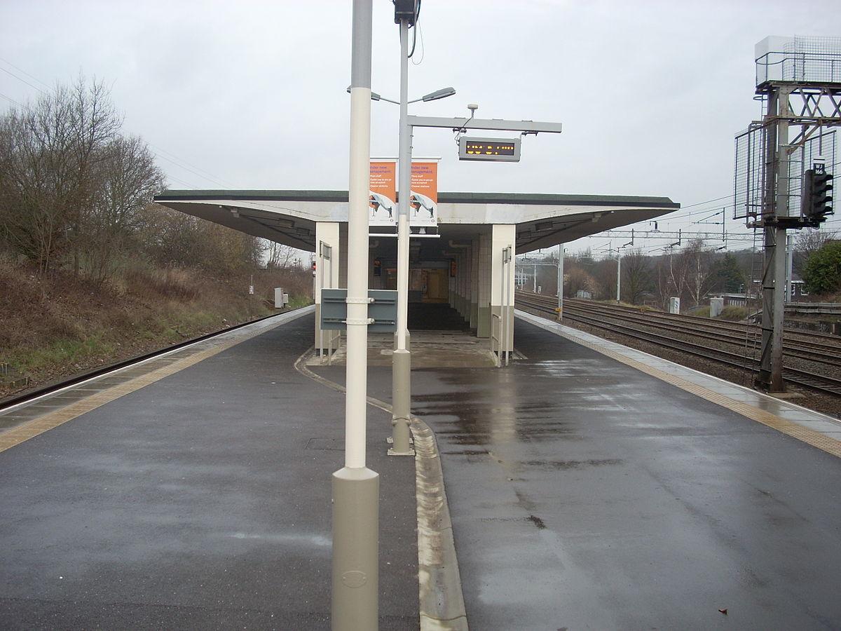 Carpenders Park Railway Station Wikipedia