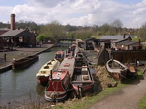 Black Country Living Museum boat dock - Image: Castle.Fields.Boat.D ock