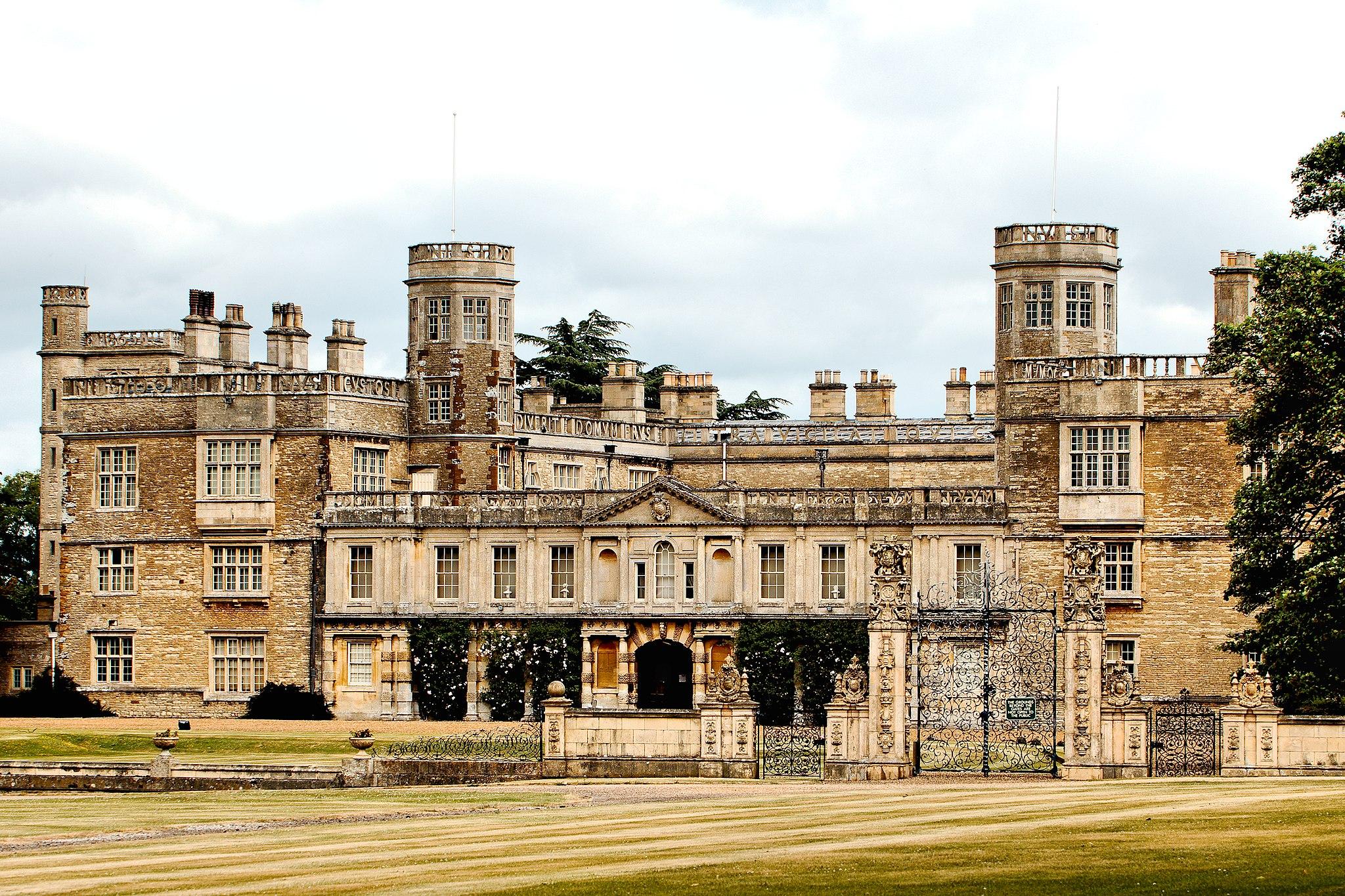 Castle Ashby (35571730485)