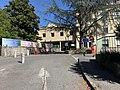 Centre hospitalier de Belley et banderoles de protestation.jpg