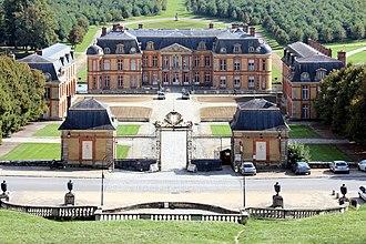 Château de Dampierre - Château de Dampierre: domesticated Baroque at the centre of Louis XIV's inner circle