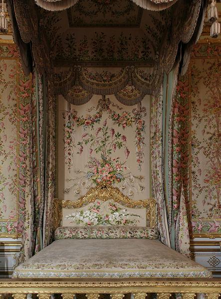 File ch teau de versailles chambre de la reine lit 01 - Chambre de la reine versailles ...