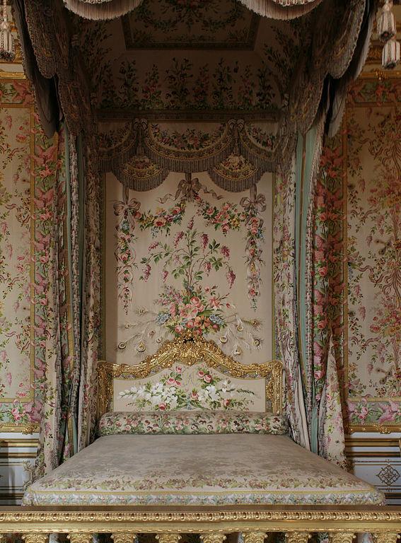 File ch teau de versailles chambre de la reine lit 01 for Chambre de la reine