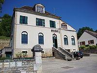 Chassey-le-Camp (Saône-et-Loire, Fr) mairie.JPG