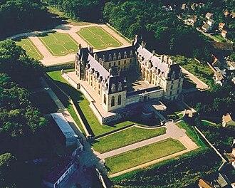 Val-d'Oise - Image: Chateau decouen