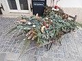 Christmas wheelbarrow at Baltazar Budapest Hotel, 9 Nándor Street, 2017 Várnegyed.jpg