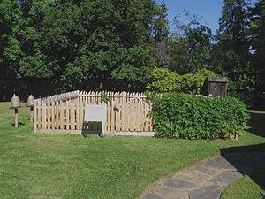 Putnam Cottage - Image: Colonial Garden Putnam Cottage Knapp Tavern Greenwich CT08312008