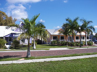 Colored houses, Punta Gorda.jpg