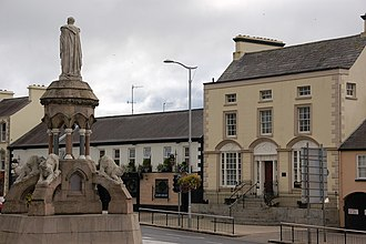 Banbridge - The monument to Francis Crozier