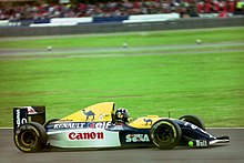 Damon Hill - Williams FW15C at the 1993 British Grand Prix (33557427941).jpg