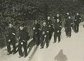 De groep van de politie uit Breda (?) onderweg op de eerste dag van de 25e Vierd – F40584 – KNBLO.jpg
