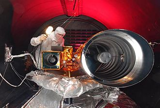 Deep Impact (spacecraft) - Cameras of the flyby spacecraft, HRI at right, MRI at left