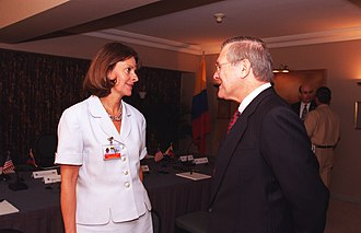 Marta Lucía Ramírez - Minister Ramírez speaking with her counterpart, United States Secretary of Defense Donald Rumsfeld during a defence summit in Santiago, Chile in 2002.