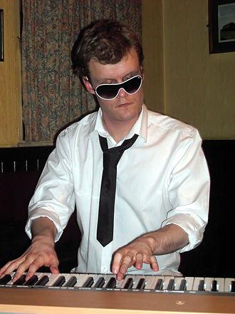 Derek Paravicini - Derek Paravicini at the keyboard, 20 April 2008.