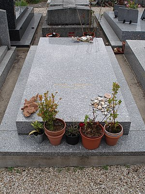 English: Derrida's grave, Ris-Orangis, France ...